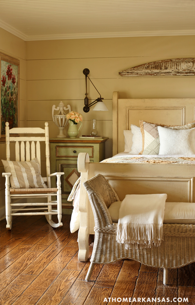 At Home in Arkansas | Cottage in the Country | June 2009 | Photography: Rett Peek
