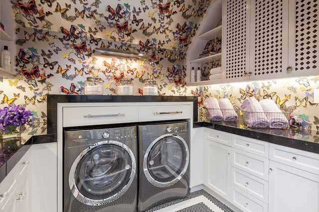 silver-metallic-laundry-room-wallpaper-drawers-over-washer-dryer decorpad