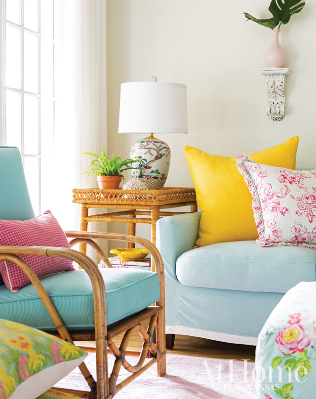 Susan Walsh of Bear Hill Interiors designed this bright and happy condo on Lake Hamilton in Arkansas